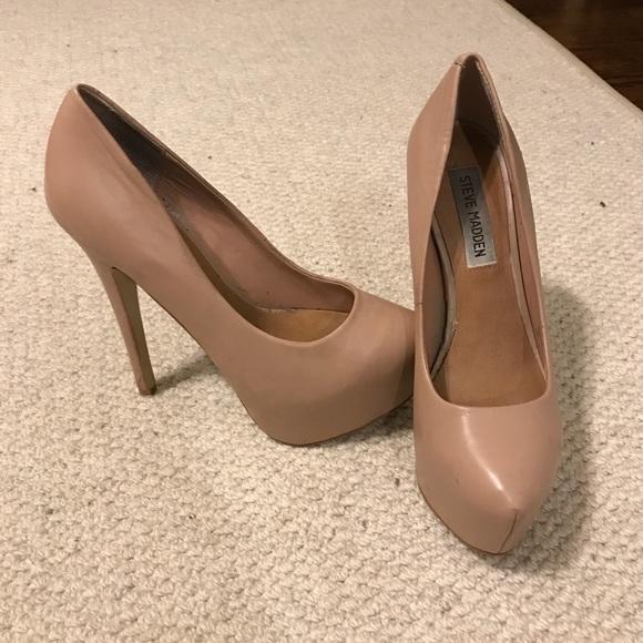 426c1a2cbec Steve Madden Dejavu heels. M 5a5e9bf33800c563586d5229